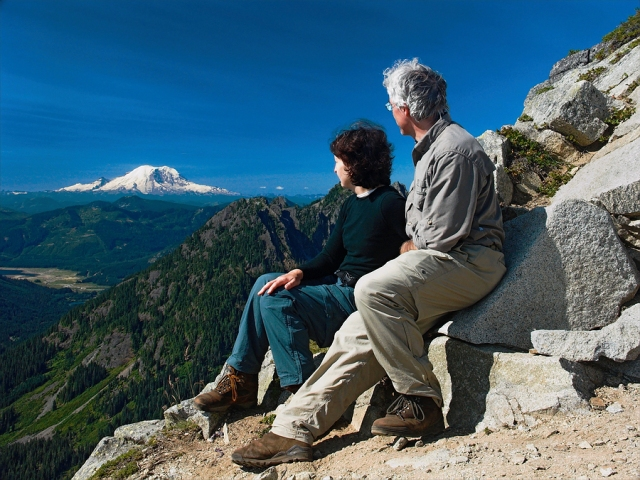 bigstock_Viewing_Mt_Rainier_161287