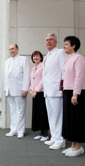 President Monson Participates in Temple Dedication in Canada